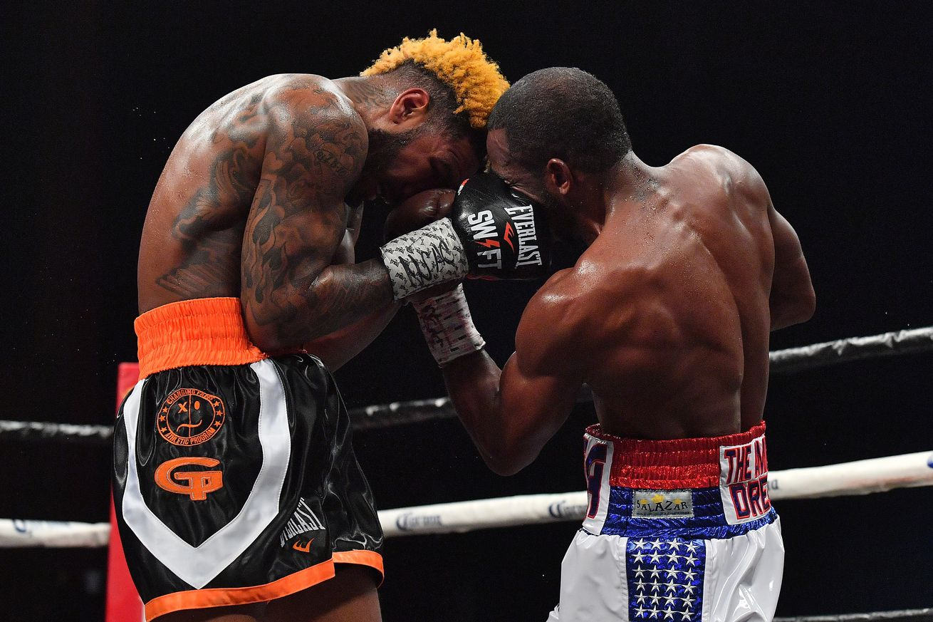943251210.jpg.0 - Full Fight: Hurd drags Lara into war in 2018 Fight of the Year