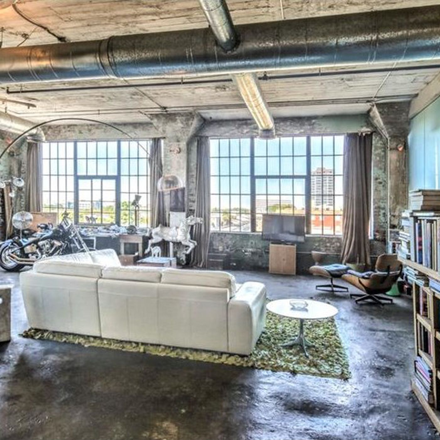 For $425K, This Downtown Atlanta Loft Brings Industrial A Game