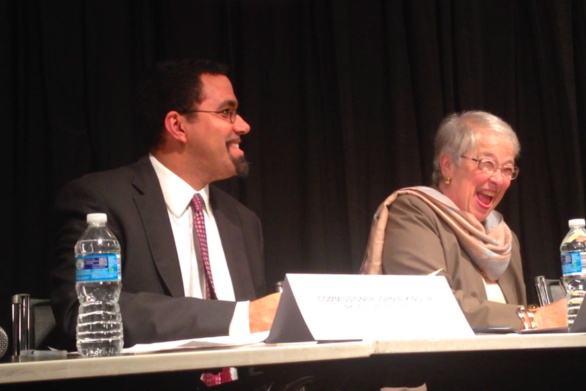 State Education Commissioner John King and Chancellor Carmen Fariña sign an agreement on goals to raise outcomes for English language learners.