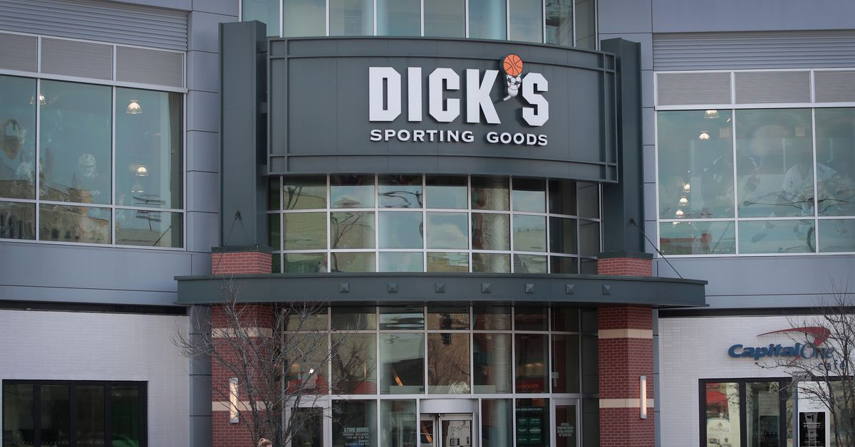 Major Gun Companies Are Refusing to Do Business With Dick's Sporting Goods