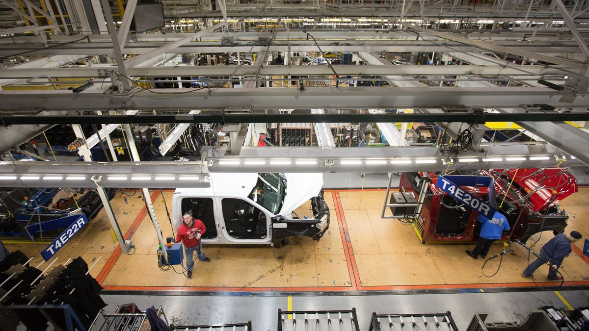 Workers at Ford's Dearborn truck plant get new processes up to speed after a billion-dollar retooling to make aluminum-body trucks.