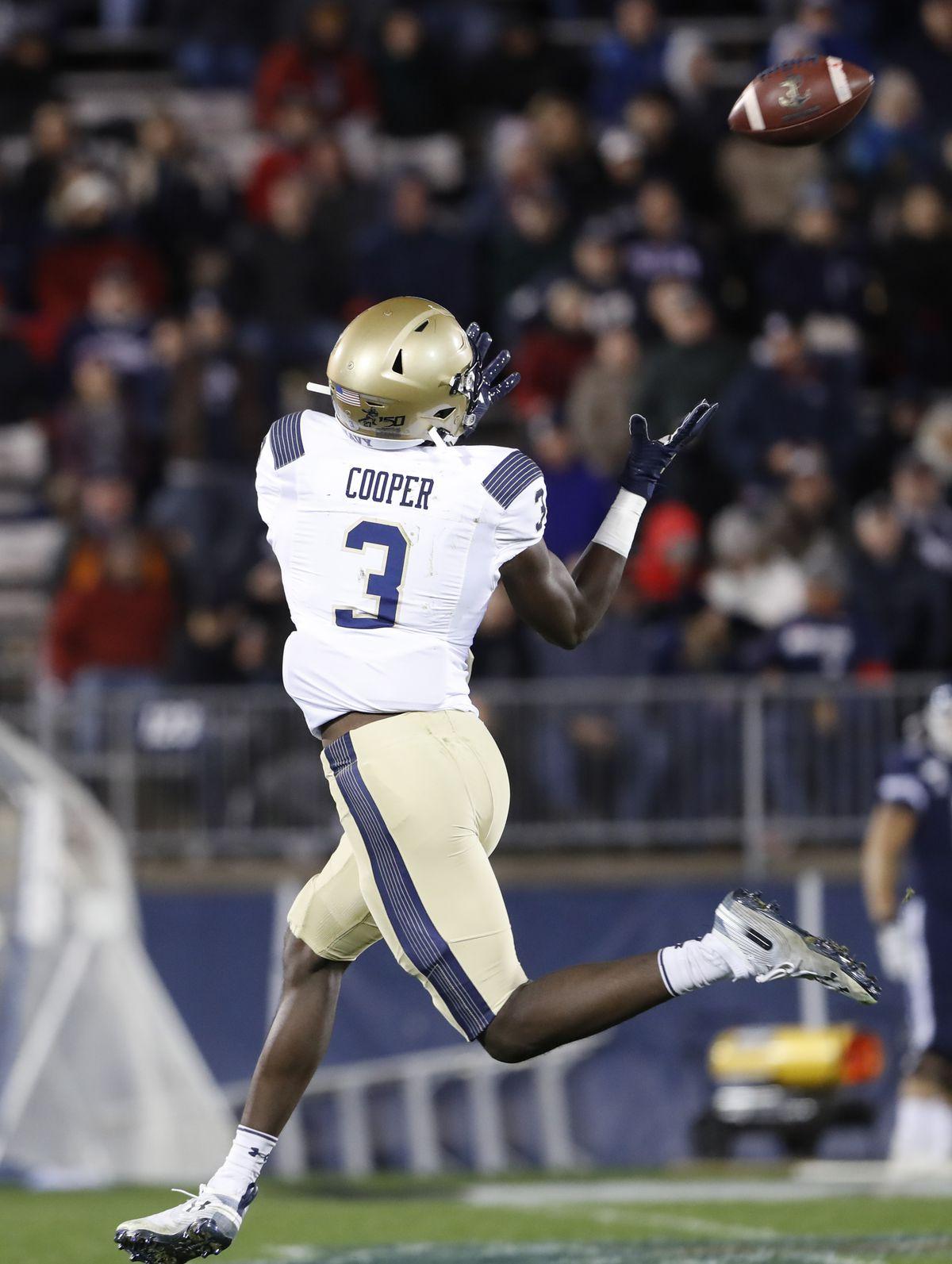 NCAA Football: Navy at Connecticut