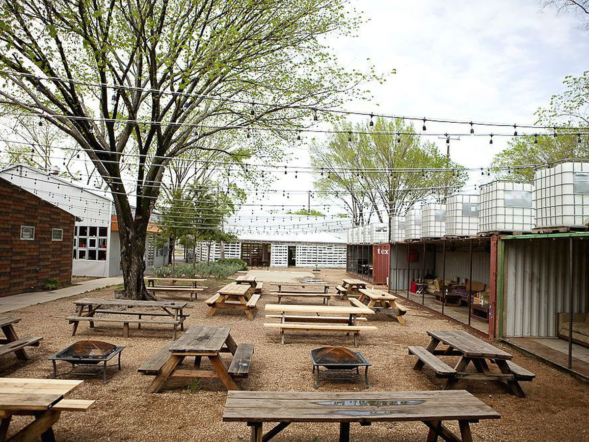 The glorious outdoor area at Chicken Scratch/The Foundry.