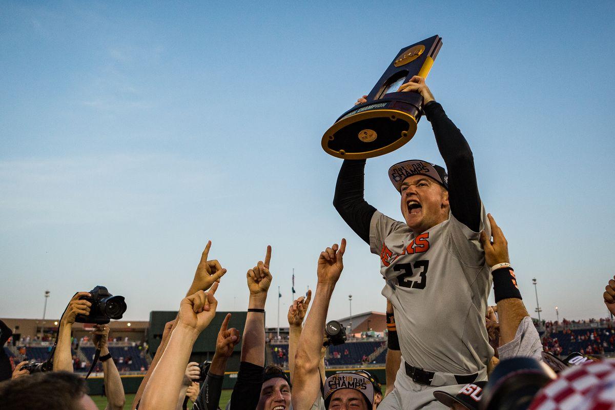 NCAA BASEBALL: JUN 28 College World Series - Oregon State v Arkansas