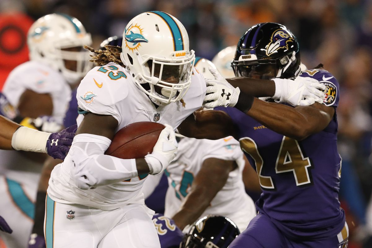 Jay Ajayi traded from Dolphins to Eagles, giving ...