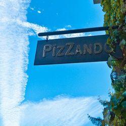 Pizzando's new sign
