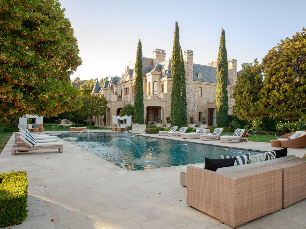 Las Most Expensive Houses For Sale - Luxury-property-in-brentwood-park-beverly-hills