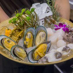 Seafood combo platter