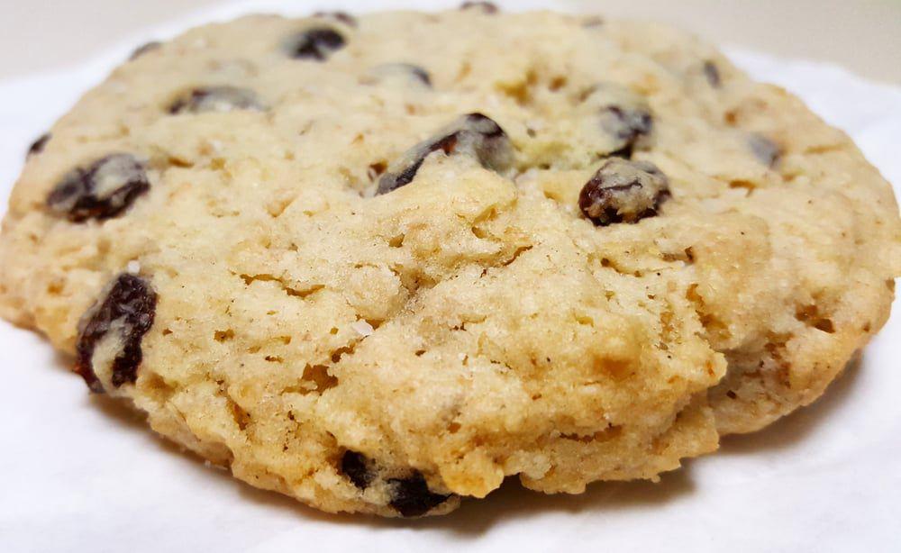 Quack's salty oat cookie
