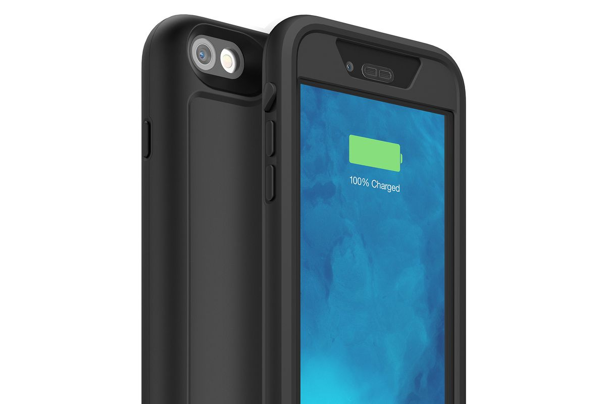huge selection of 558ac a2a57 Mophie's latest iPhone battery case is also waterproof - The Verge