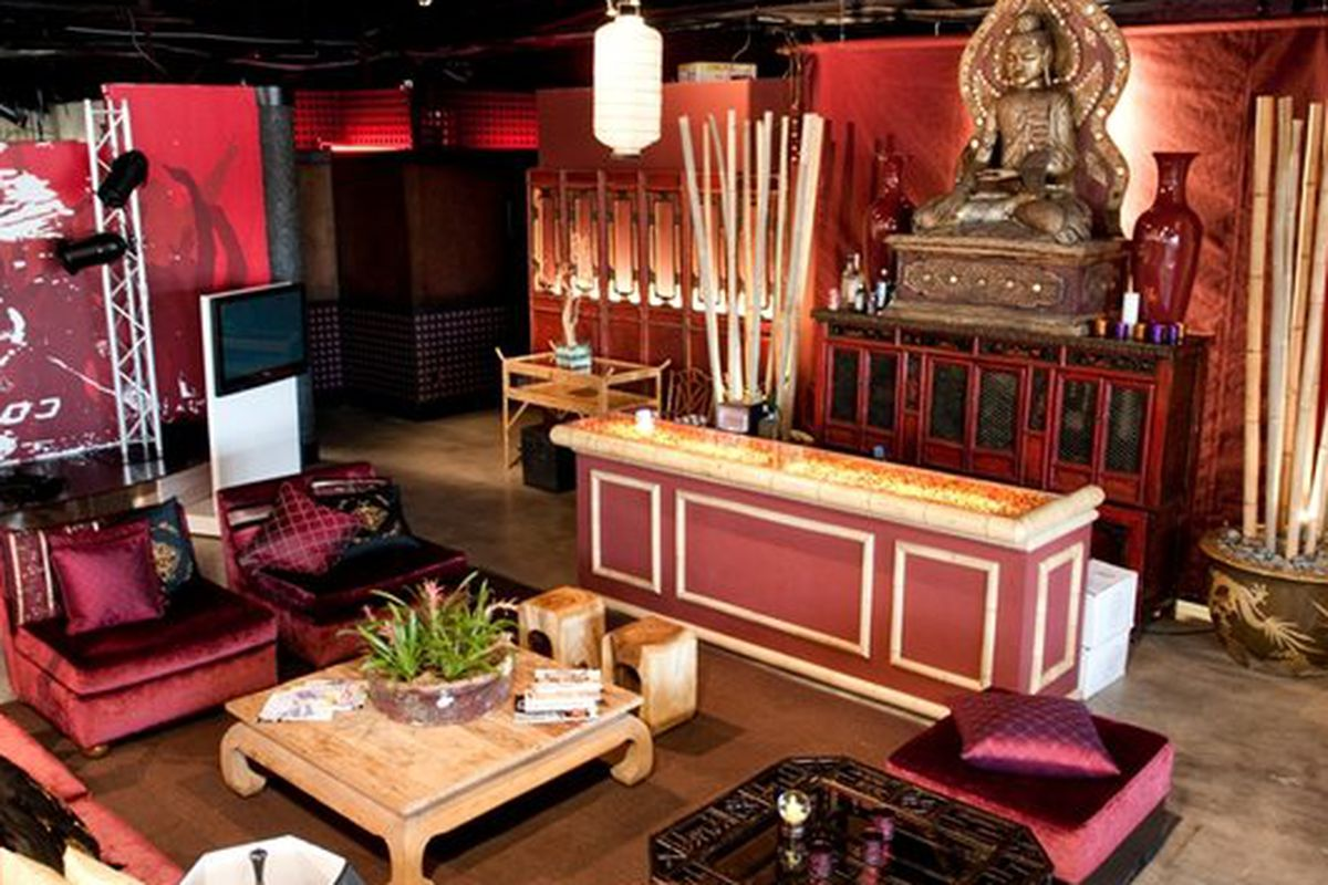 """You could own that Buddha. Image via <a href=""""http://www.yelp.com/biz_photos/live-on-sunset-west-hollywood-2?select=LL5_zVOe5L13pz07nG1_Cg#82ZUgkK0OgaRy9l5PIA55w"""">Yelp</a>."""