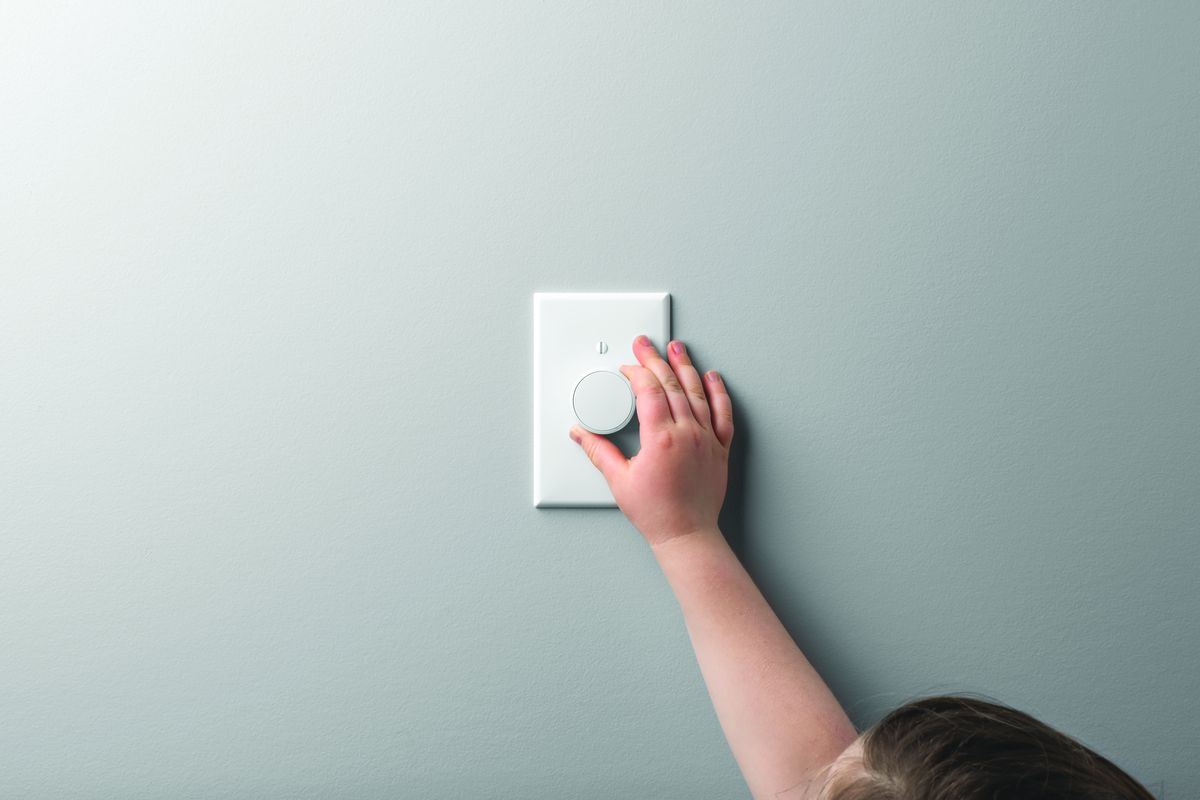 Lutron's new dimmer for Hue lights fixes the wall switch
