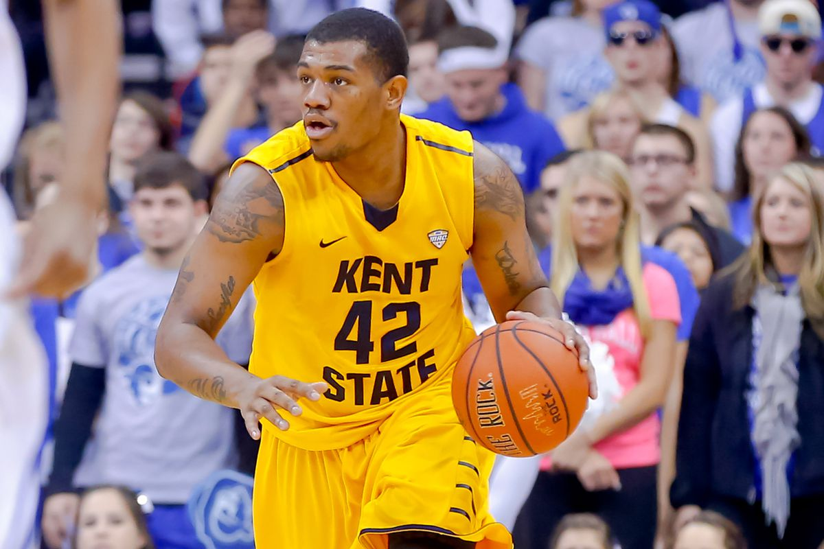 Darren Goodson's three pointer regained the Wagon Wheel for the Flashes.