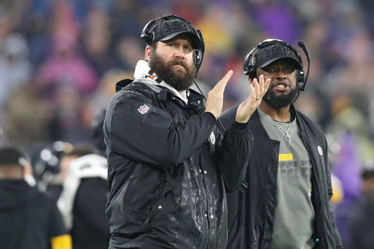 Quarterback Ben Roethlisberger of the Pittsburgh Steelers and head coach Mike Tomlin of the Pittsburgh Steelers look on from the sideline against the Baltimore Ravens during the second quarter at M&T Bank Stadium on December 29, 2019 in Baltimore, Maryland.