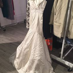 This could be your wedding dress for just $615 (from $1,750)