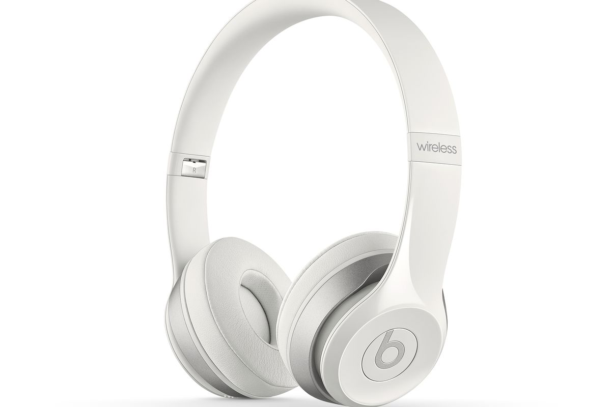 Apple is giving away Beats Solo2 headphones to students who buy a