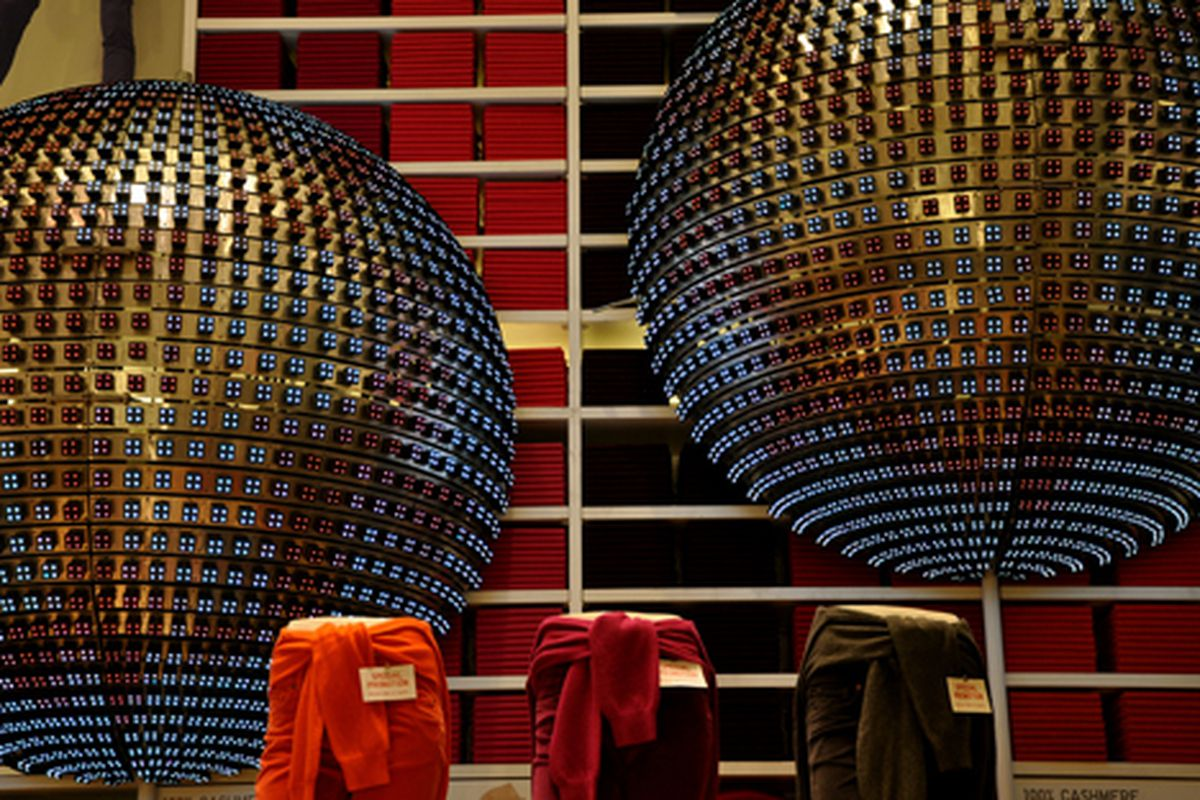 """Uniqlo's festive robot orbs via <a href=""""http://www.flickr.com/photos/essgee/4125000245/in/pool-rackedny"""">EssG</a>/Racked Flickr Pool"""