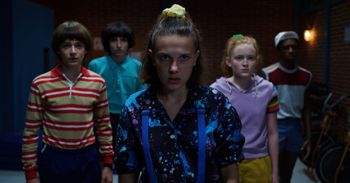 Stranger Things season 3 goes full Aliens with its action