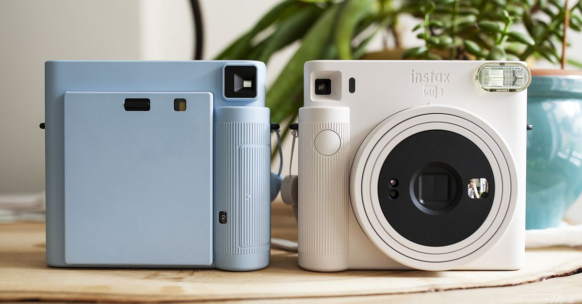fujifilm's-new-instax-square-sq1-brings-the-instant-cam-back-to-its-essentials