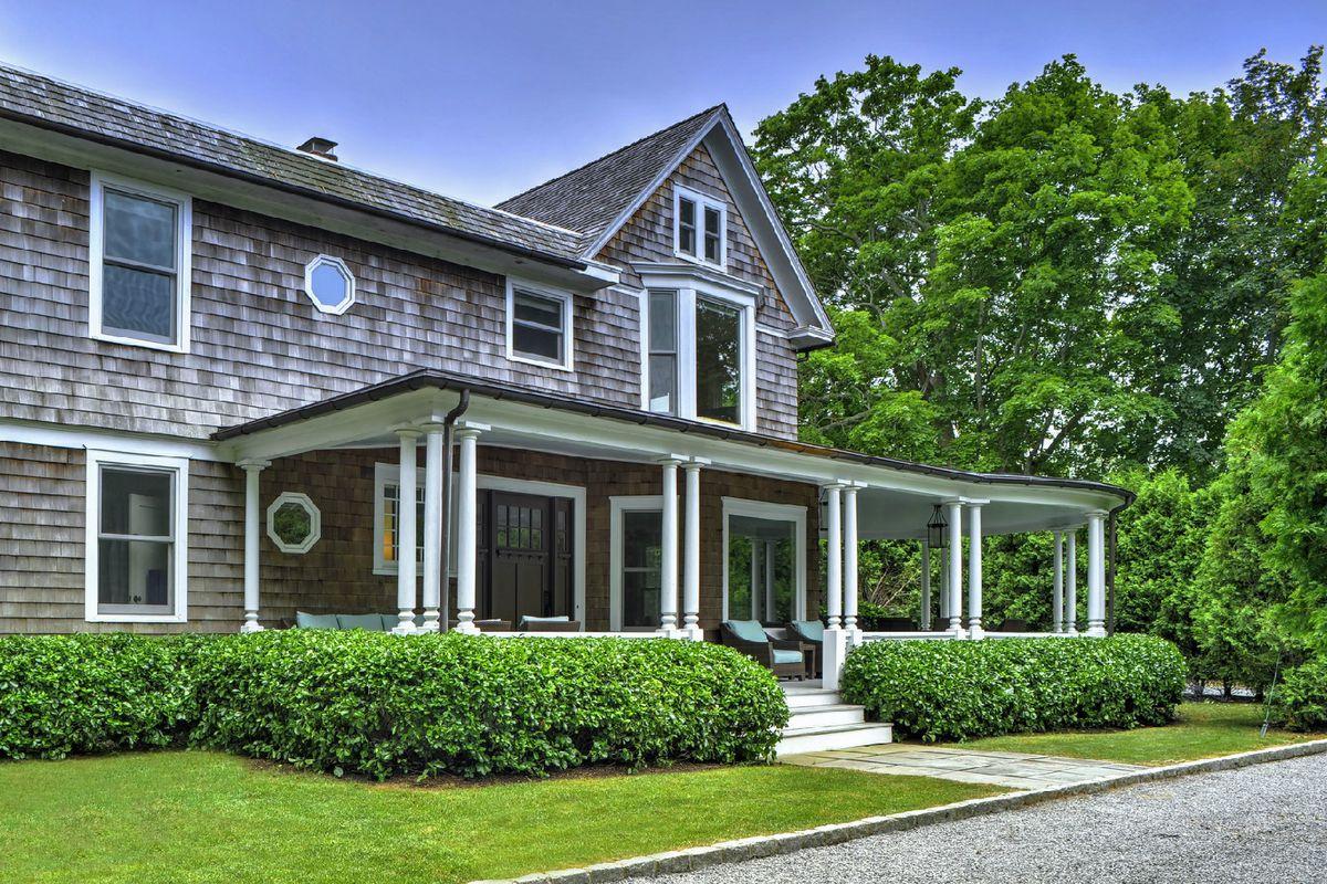 Bethenny Frankel Buys The Historic Bridgehampton Morning Glory House