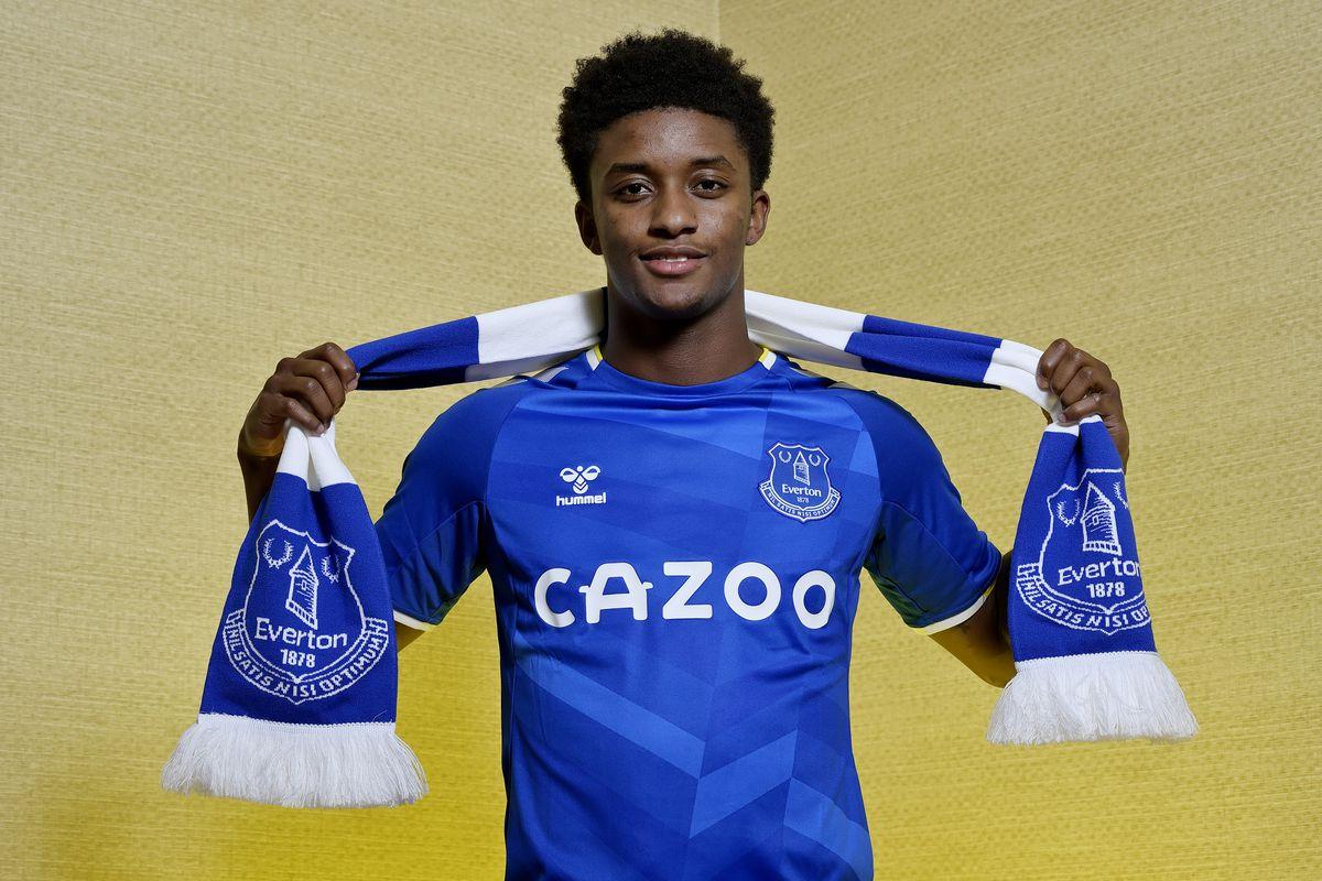 Demarai Gray Everton shirt number revealed - Royal Blue Mersey