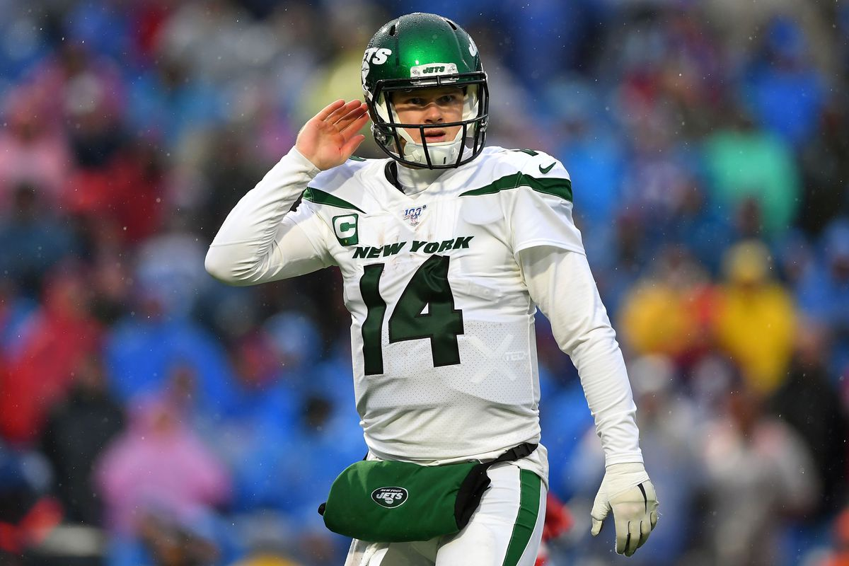 New York Jets quarterback Sam Darnold looks on against the Buffalo Bills during the fourth quarter at New Era Field.