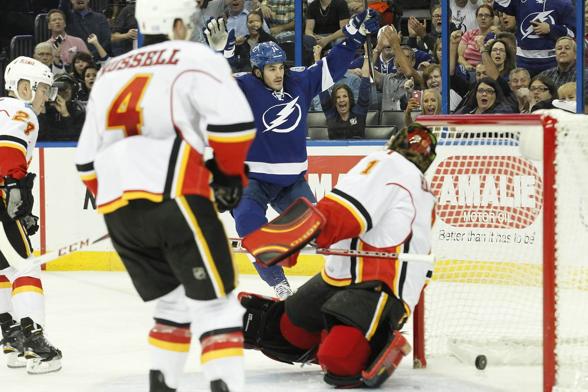 Lightning forward Brian Boyle celebrates his shorthanded goal in the second period of Thursday's 5-2 win over Calgary