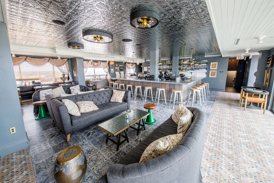 Peek Inside Hot Tin A New Lgd Bar With The Best View In