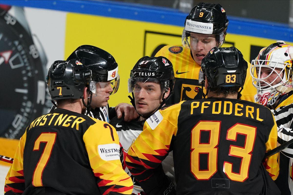 Ice Hockey World Championship: Germany - Canada