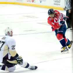 Ovechkin Scores a Late Power Play Goal