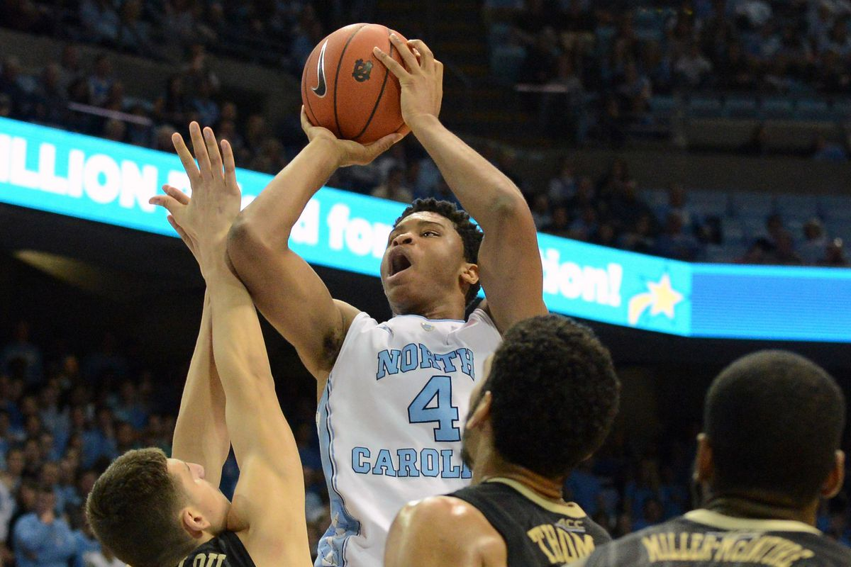 Despite 5 first-place votes, the Tarheels aren't able to grab the top spot on their own.