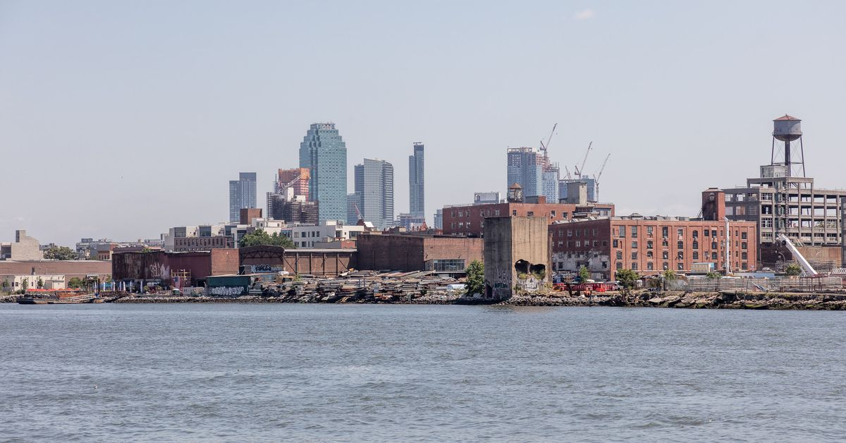 Greenpoint Landing megaproject adds two new towers with 1,240 ...