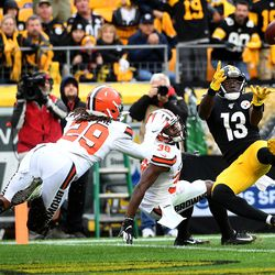 December 2019: The Browns looked focused to begin their re-match against Pittsburgh, jumping out to a 10-0 head. However, the Steelers, led by rookie QB Devlin Hodges, then scored 20 unanswered points in a 20-13 victory. Before the end of the first half, Mayfield hurt his hand after it crashed into a Steelers helmet on a follow through Hail Mary attempt. The loss ended Cleveland's three-game winning streak, making them 5-7.