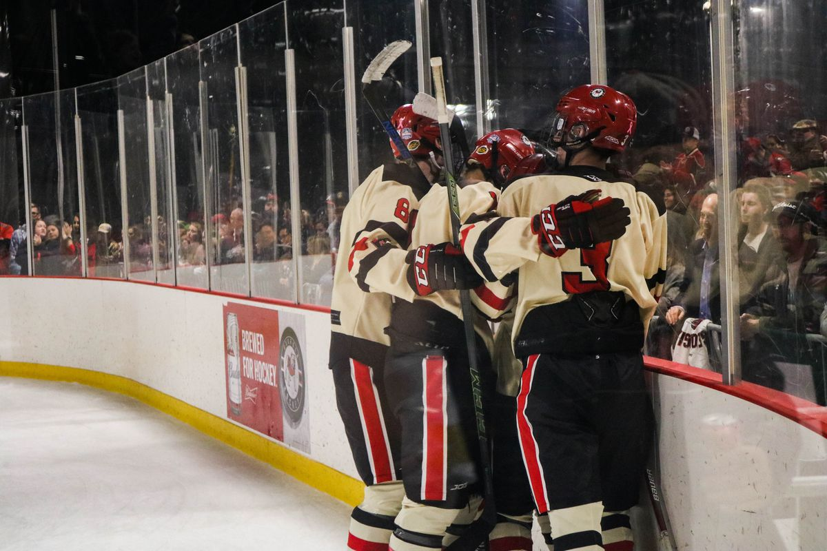 6cbca9152 Ice Dawgs Eye Conference Title - Dawg Sports