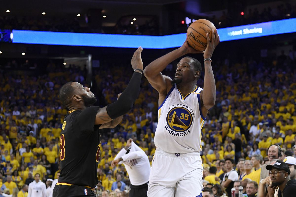 Durant's dagger three helps propel Warriors to 3-0 lead