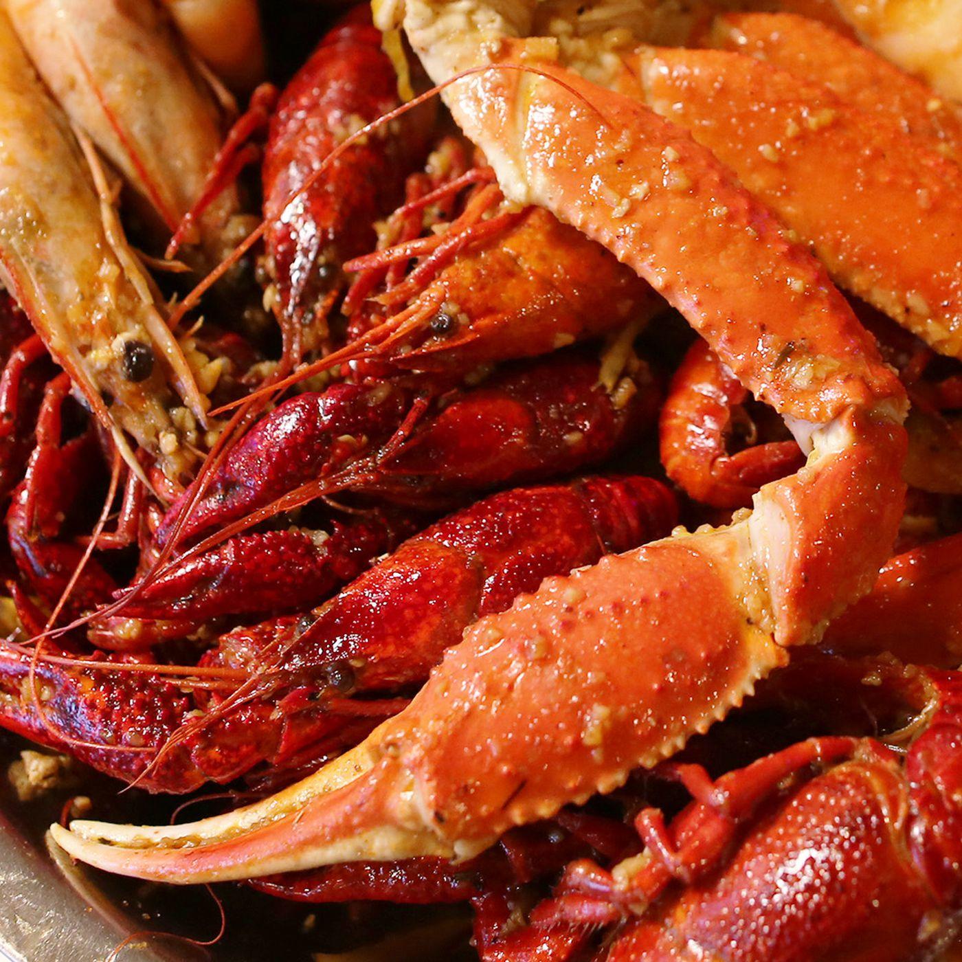 watch this vietnamese cajun crawfish boil takes it to the next level eater - Cajun Kitchen