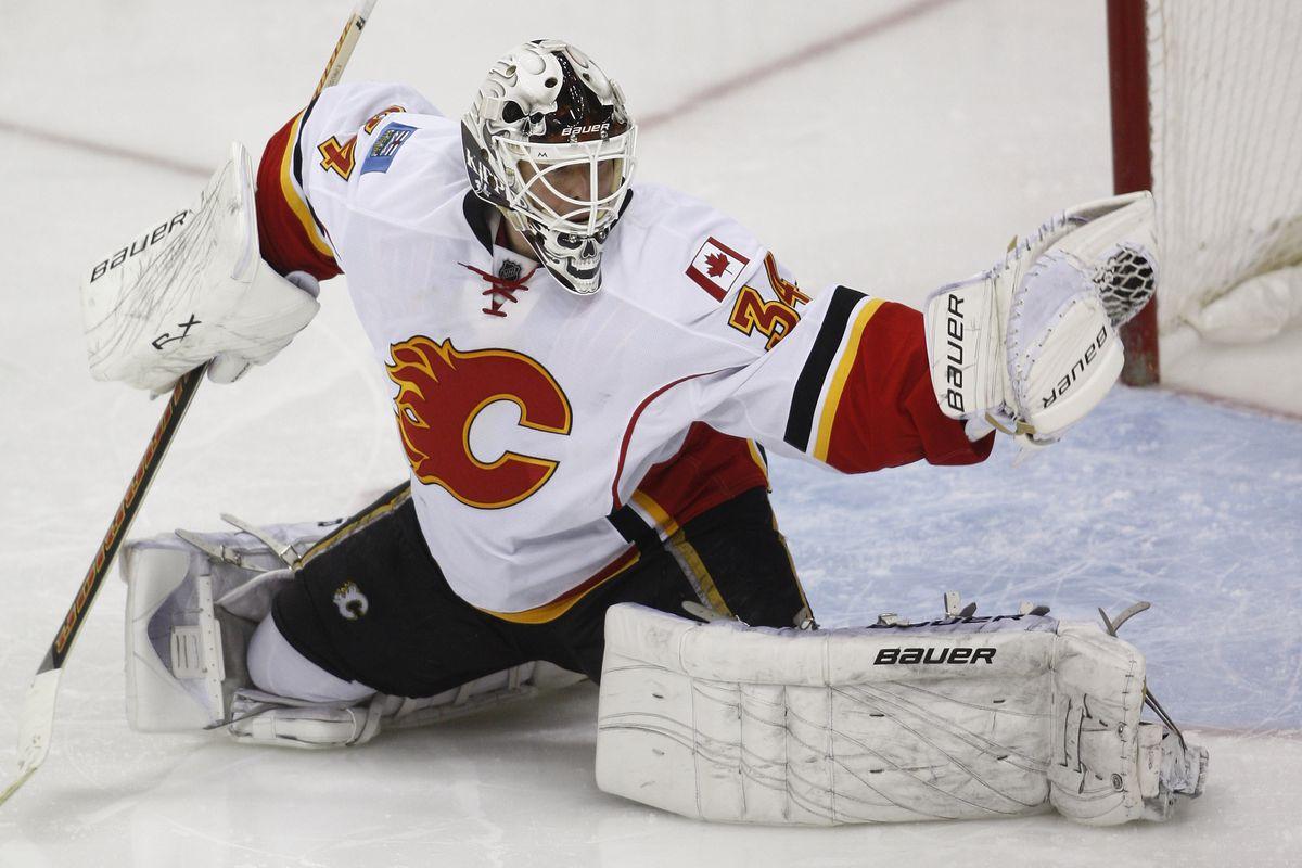 Calgary Flames v Columbus Blue Jackets