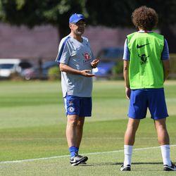 "Sarri explains that ""90% fun"" is back to David Luiz"