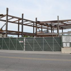 5:06 p.m. Another view of the triangle lot structure, seen from Clark Street -