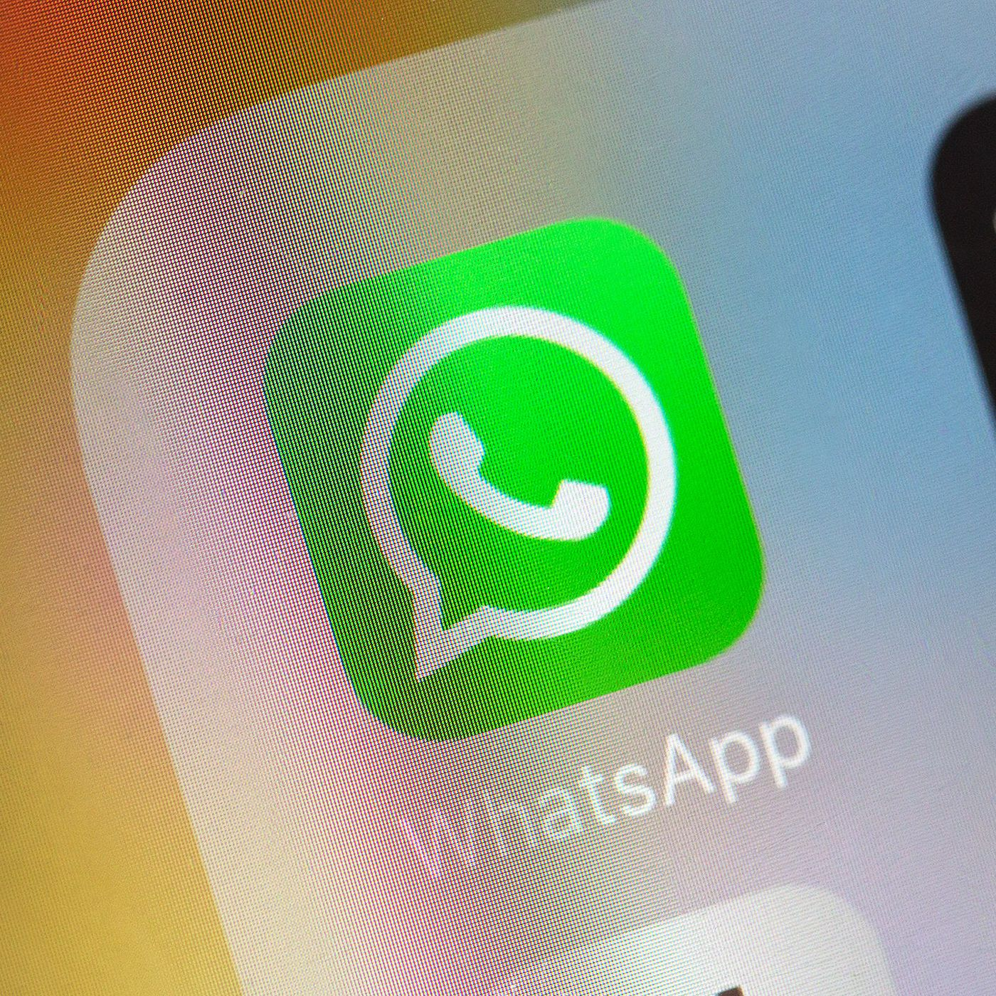 Google is indexing WhatsApp group chat links, making private ...