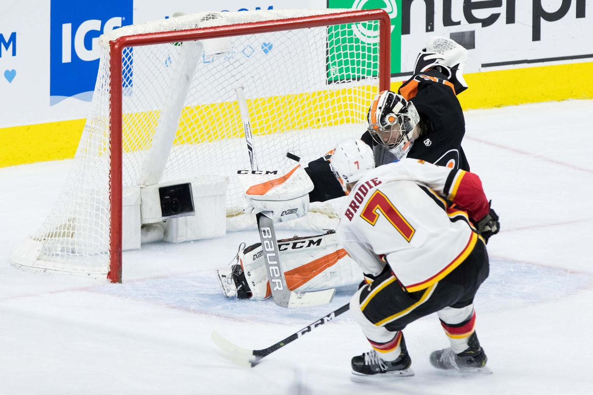 NHL: Calgary Flames at Philadelphia Flyers