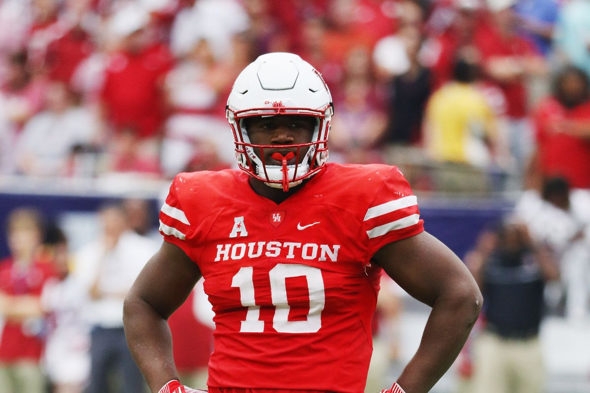 Houston Cougars DL Ed Oliver waits between plays against the Oklahoma Sooners, Sep 3, 2016.