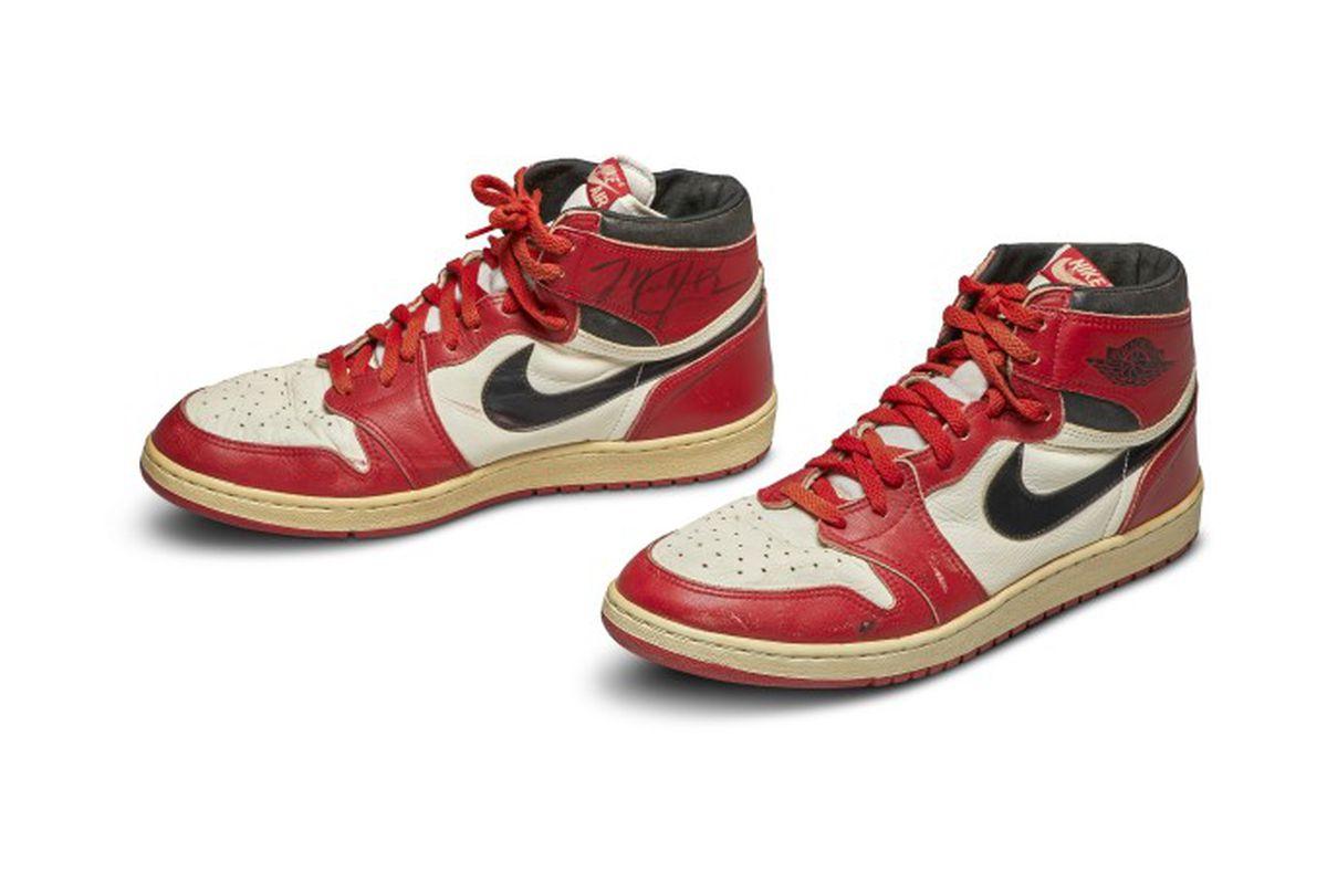 Michael Jordan's Air Jordan shoes from rookie season just sold for ...