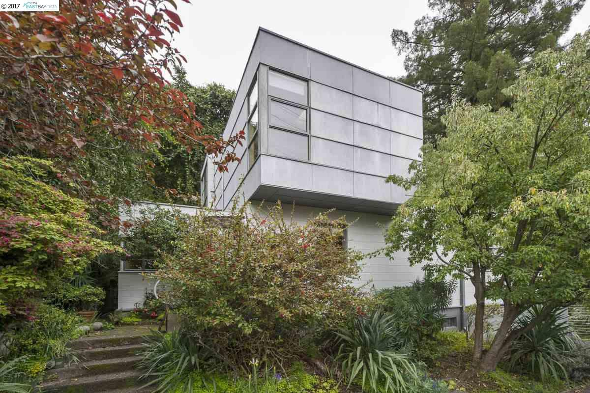 Boxy, avant-garde exterior of Berkeley home.