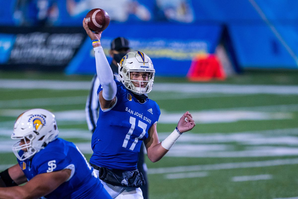 San Jose State Spartans quarterback Nick Starkel (17) passes the football during the first quarter against the UNLV Rebels at CEFCU Stadium.