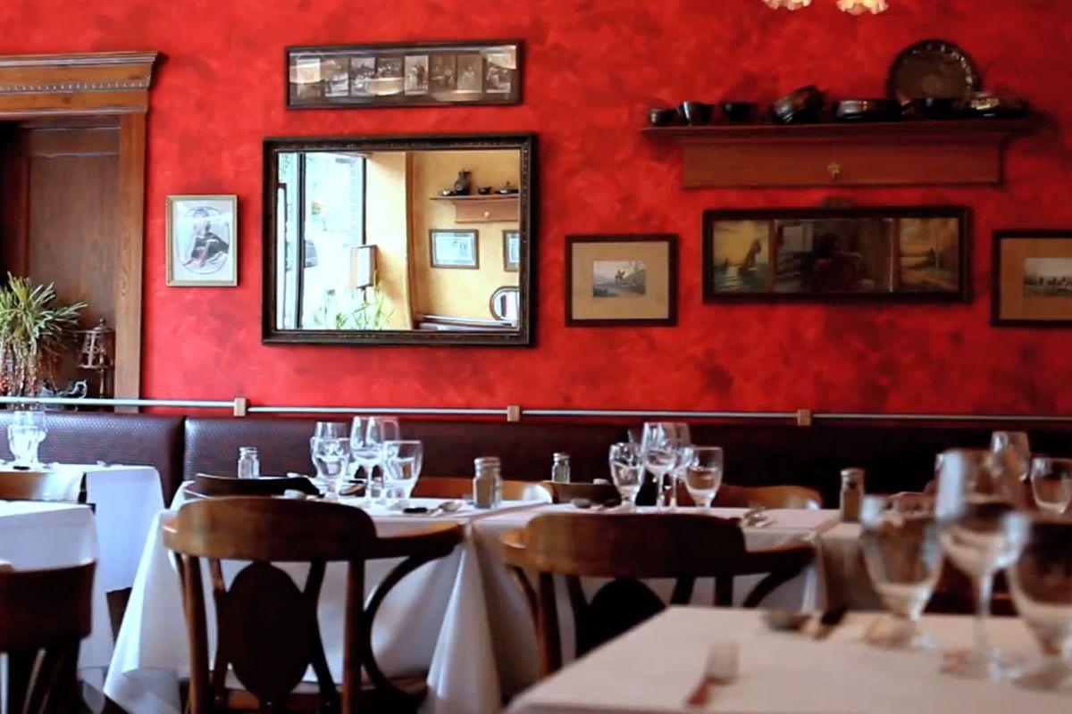 Inside Le Paris Beurre