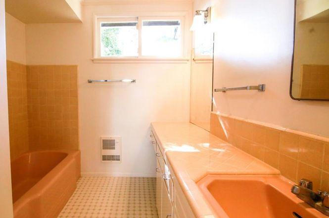 Bathroom with vintage tile