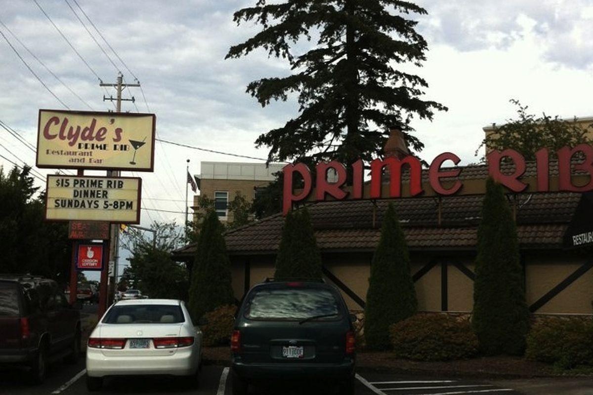 Clyde's Prime Rib Restaurant & Bar
