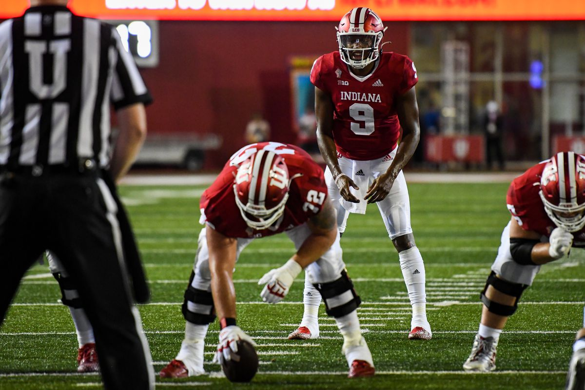 Indiana QB Michael Penix Jr. waiting for a snap during a college football game between the Idaho Vandals and Indiana Hoosiers on September 11, 2021 at Memorial Stadium in Bloomington, IN.