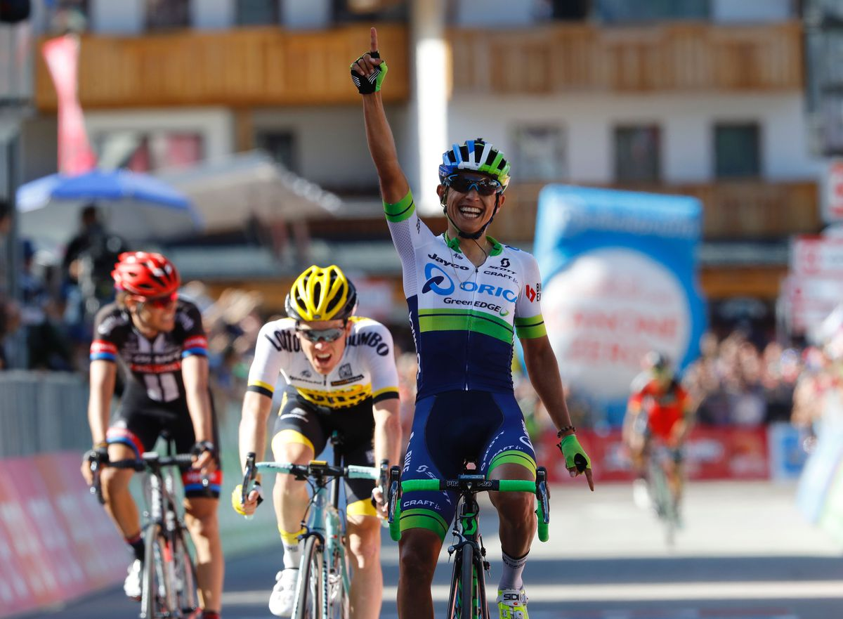 Chaves wins Dolomite stage